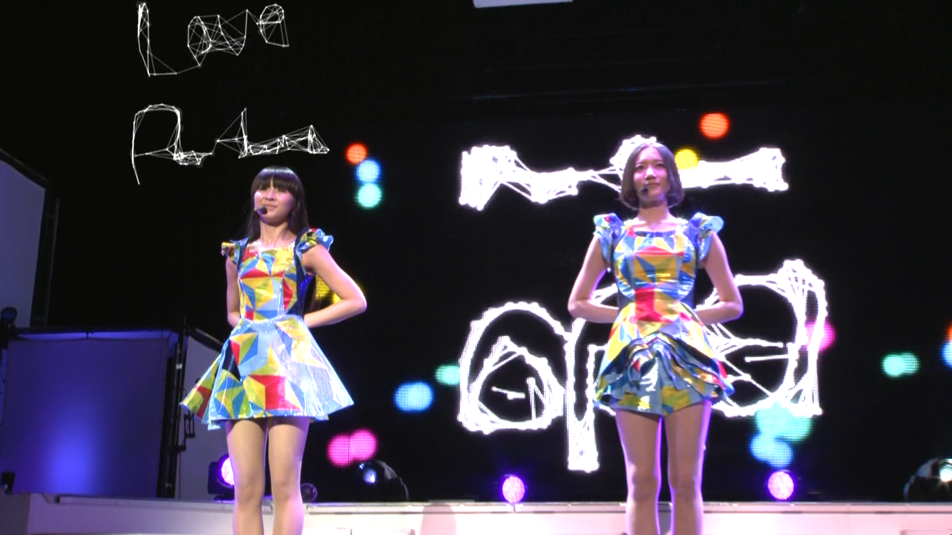 "Perfume WORLD Tour 3rd ""Hold Your Hand"""